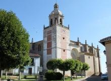 Vista perfil de la Iglesia de San Andres en Carrión de los Condes 2