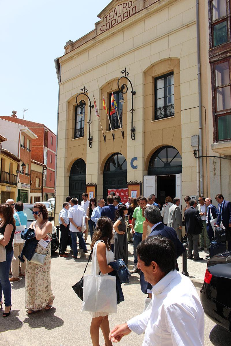 """El Teatro Sarabia acoge la jornada """"¿Quién es quién en el sector lácteo de Castilla y León?"""""""
